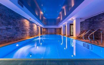 piscina com cobertura